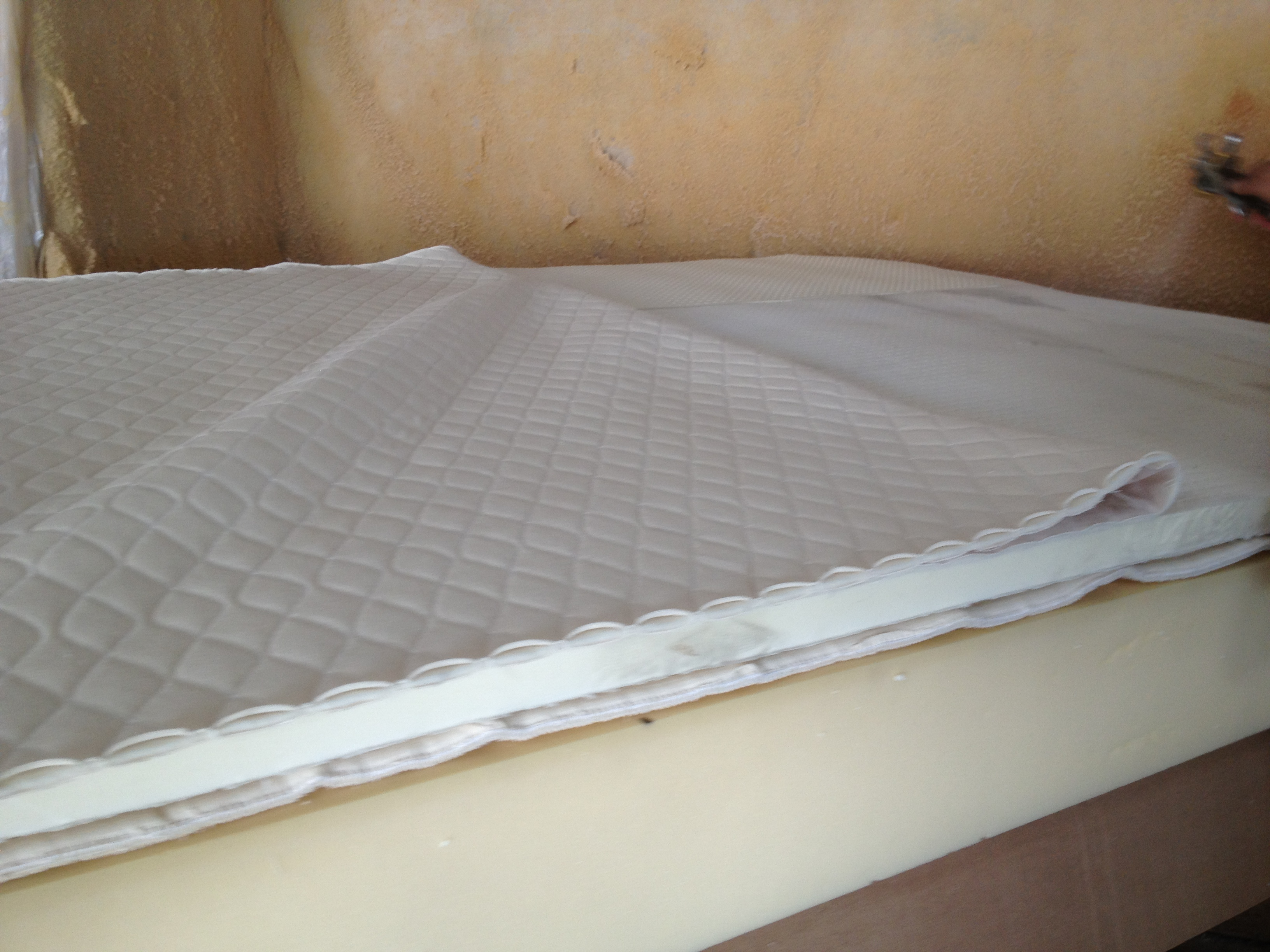 image topper warehouse mattress corner sleep natural toppers shot talalay latex amazon